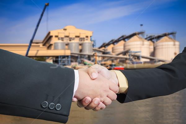 Affaires handshake transport affaires bureau bâtiment Photo stock © FrameAngel