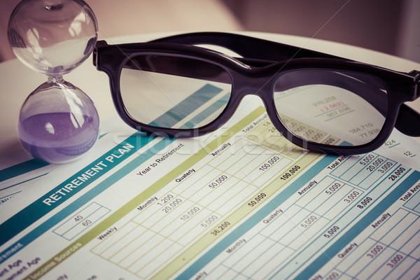 Pensioen planning bril zandloper business geld Stockfoto © FrameAngel