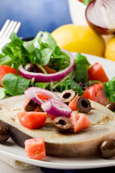 Gegrild zwaardvis gemengd salade witte handdoek Stockfoto © Francesco83