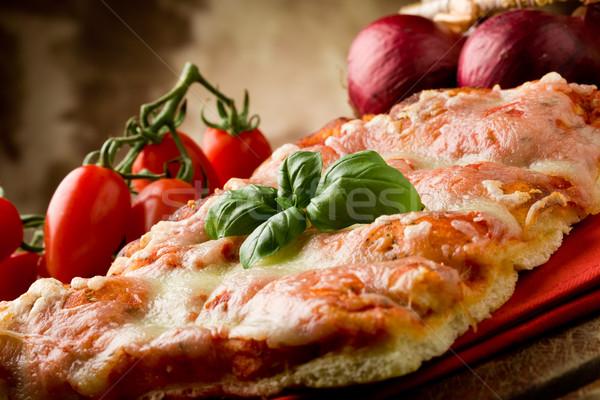 Stockfoto: Pizza · foto · heerlijk · plakje · basilicum · blad