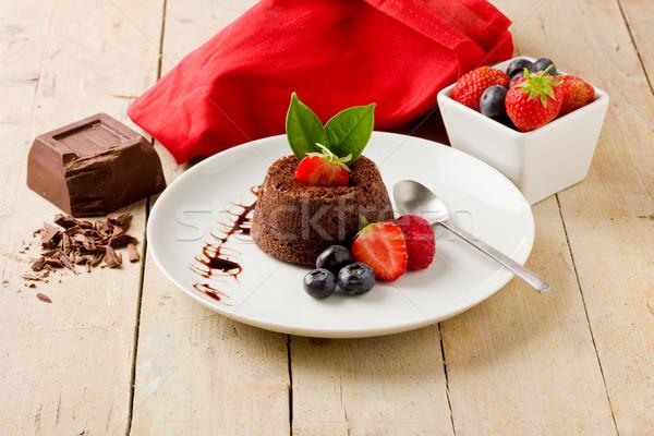 ストックフォト: チョコレート · デザート · 液果類 · 写真 · 木製のテーブル