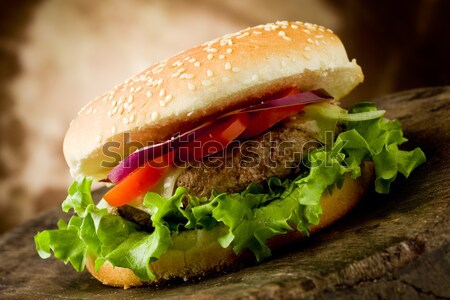 Hamburger photo délicieux hambourg table en bois Photo stock © Francesco83