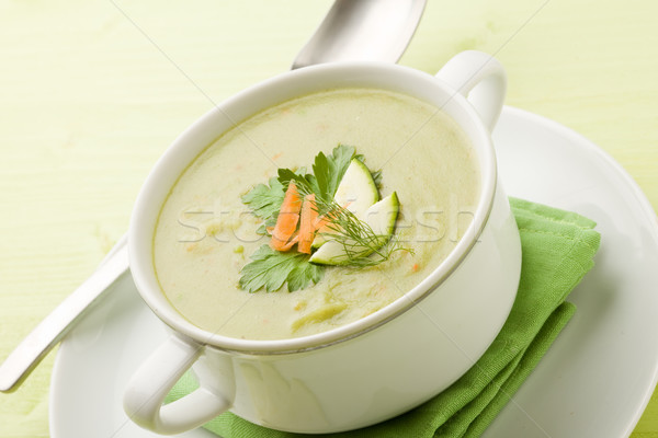 ストックフォト: 野菜スープ · 写真 · ベジタリアン · 緑 · 木製のテーブル · 異なる