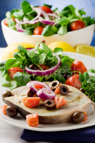 ızgara kılıçbalığı karışık salata beyaz havlu Stok fotoğraf © Francesco83