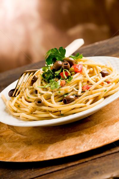 Tészta olajbogyók petrezselyem finom vegetáriánus edény Stock fotó © Francesco83