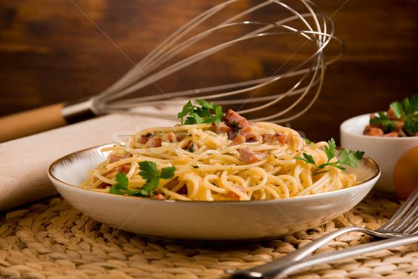 пасты спагетти бекон яйцо деревянный стол Сток-фото © Francesco83