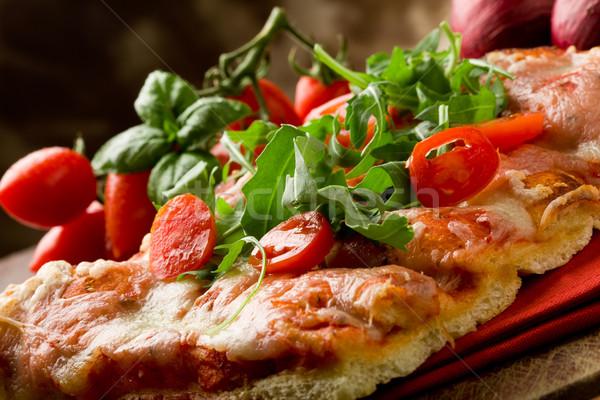 Stockfoto: Pizza · kerstomaatjes · houten · tafel · tomaat · oven