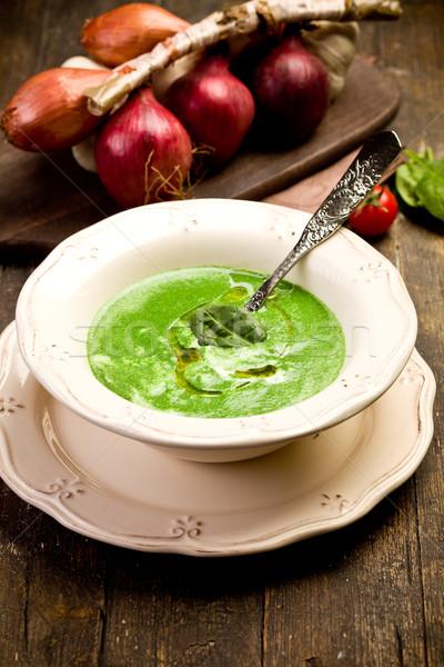 ほうれん草 クリーム スープ ソフト 木製のテーブル ストックフォト © Francesco83