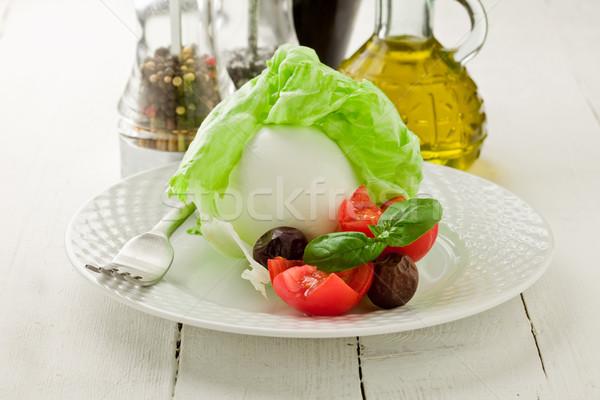 Photo stock: Mozzarella · laitue · délicieux · tomates · table · en · bois · fromages