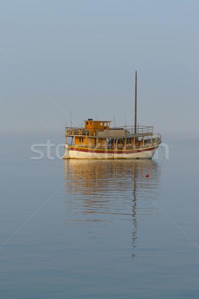 孤独 伝統的な ヨット 小 海 ストックフォト © frank11