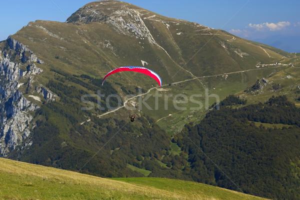 лет красный парашютом альпийский среде Сток-фото © frank11