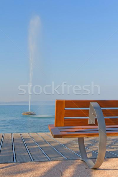 Modern bank göl garda gölü çeşme Stok fotoğraf © frank11