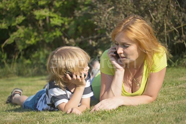 Madre hijo llamando aire libre rubio pelo Foto stock © frank11