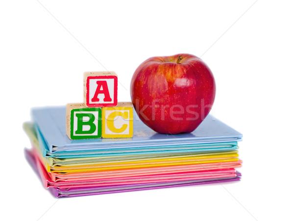 Foto d'archivio: Blocchi · mela · libri · bambini · scuola · bambino