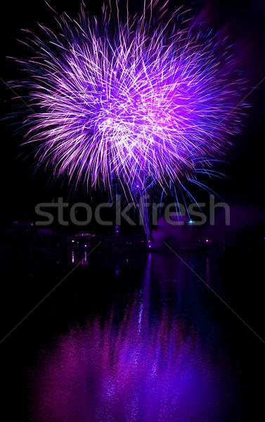 Hosszú expozíció tűzijáték fekete égbolt lila buli Stock fotó © Frankljr