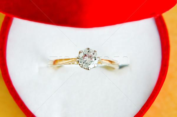 Gyémántgyűrű doboz közelkép makró arany gyémánt Stock fotó © frannyanne