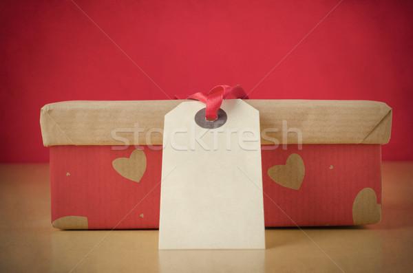 Amorevole regalo cuore finestra chiuso carta marrone Foto d'archivio © frannyanne