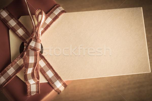 Ajándék doboz címke klasszikus stílus kifakult piros Stock fotó © frannyanne