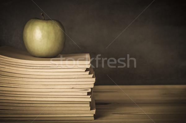 Teacher's Desk - Apple on Books Stock photo © frannyanne