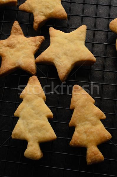 Christmas herbatniki chłodzenie rack shot drzewo Zdjęcia stock © frannyanne