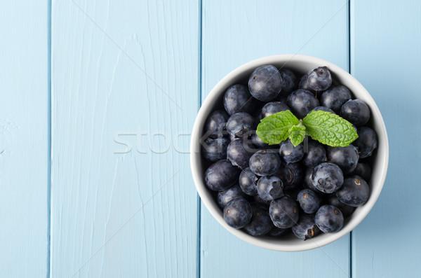 Сток-фото: чаши · черника · окрашенный · синий · древесины