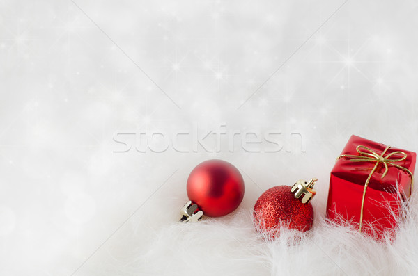 Natale decorazioni pelliccia frizzante bokeh rosso Foto d'archivio © frannyanne