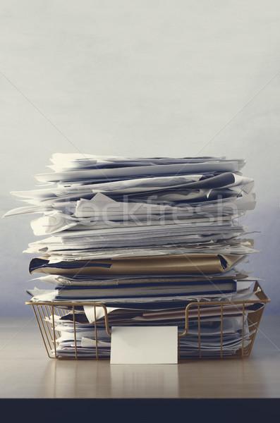 Drót iroda tálca felfelé papírok címke Stock fotó © frannyanne