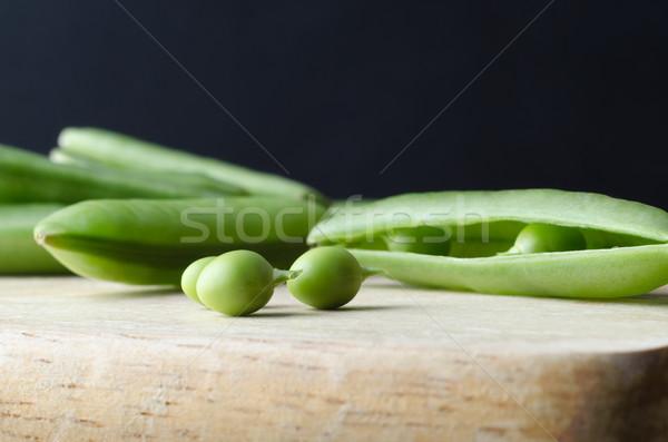 Zöldborsó konyha tábla közelkép makró három Stock fotó © frannyanne