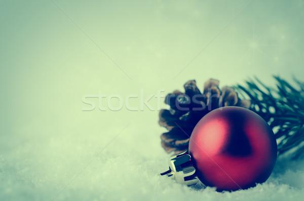 Noël frontière rouge babiole feuillage neige Photo stock © frannyanne
