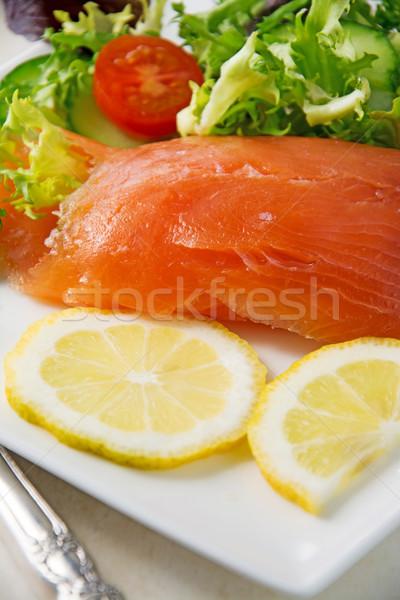 Saumon mise au point sélective fraîches blanche plaque salade Photo stock © Freila