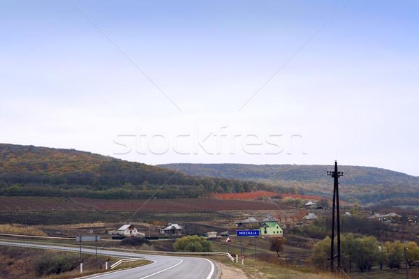 Ver aldeia estrada outono Moldávia casa Foto stock © frimufilms