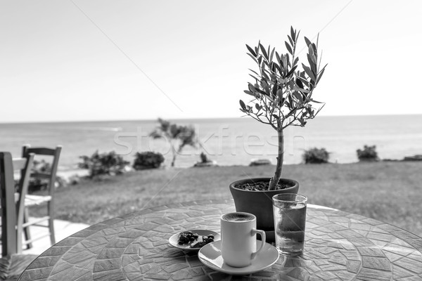 Stok fotoğraf: Siyah · beyaz · fincan · sehpa · geleneksel · cam