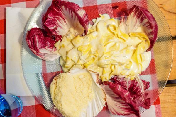 Tészta felszolgált étterem piros káposzta parmezán sajt Stock fotó © frimufilms