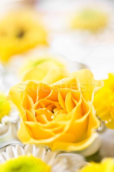 Citromsárga rózsa dekoráció fényes virág szeretet Stock fotó © froxx