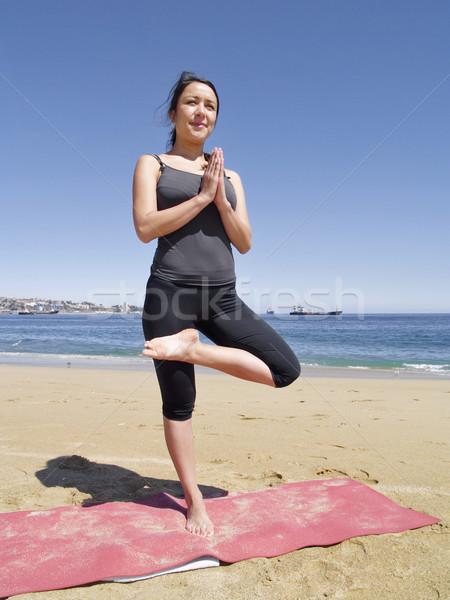 йога создают пляж учитель морем красоту Сток-фото © fxegs