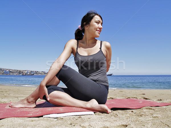 Сток-фото: йога · создают · учитель · пляж · морем · красоту