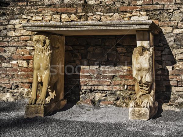Roman ruins altar Stock photo © fxegs
