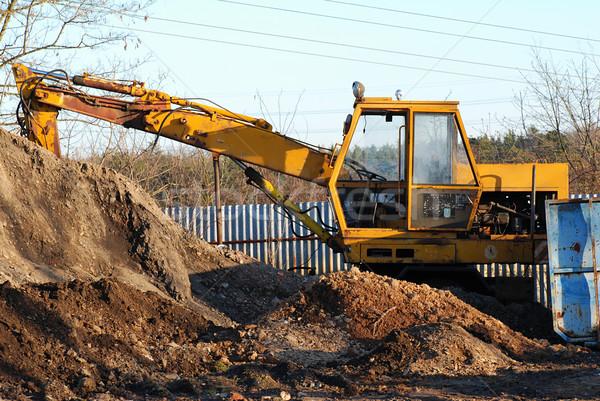 Vecchio escavatore arrugginito movimento suolo costruzione Foto d'archivio © fyletto