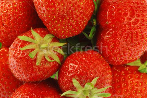 клубники свежие клубника плодов красный зеленые листья Сток-фото © fyletto