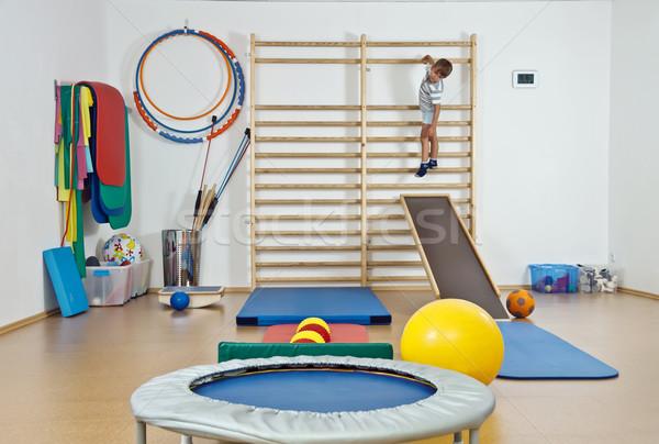 Criança ginásio edifício grupo bola exercer Foto stock © g215