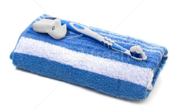 Diş ipi diş fırçası havlu beyaz arka plan fırçalamak Stok fotoğraf © g215