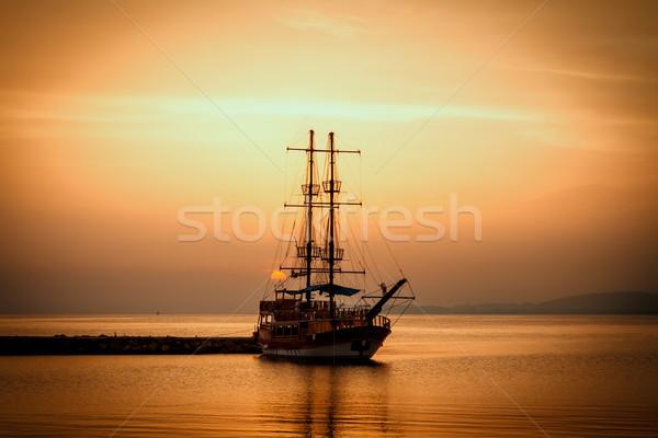 судно силуэта закат облака солнце свет Сток-фото © g215
