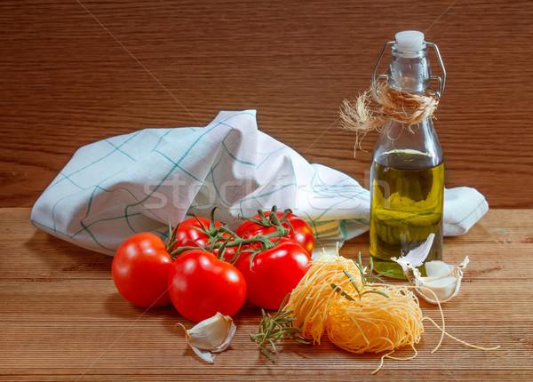 пасты помидоров травы деревянный стол зеленый нефть Сток-фото © g215