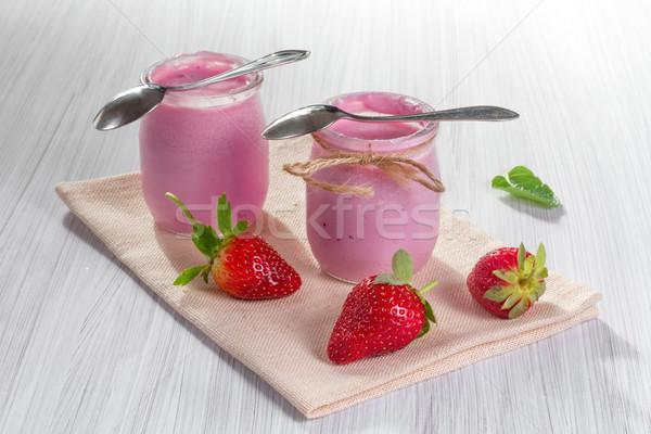 Aardbei yoghurt vers aardbeien vruchten groene Stockfoto © g215