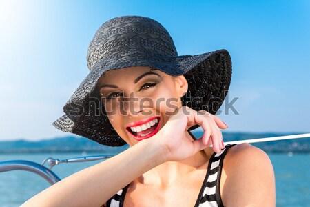 été belle femme yacht été femme eau Photo stock © gabor_galovtsik
