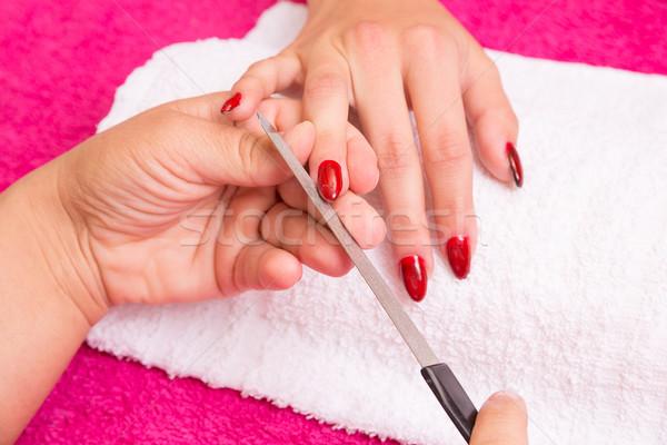 Nagel vrouw manicure hand verf Stockfoto © gabor_galovtsik