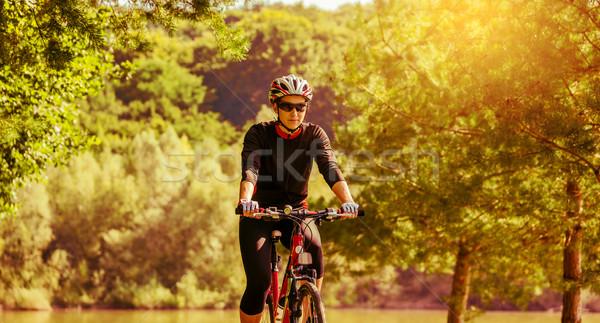 Stock fotó: Fiatal · nő · lovaglás · bicikli · retro · színek · vidék