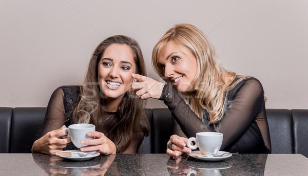 Tasse café amis deux souriant séduisant Photo stock © gabor_galovtsik