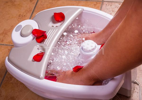 Pieds fond spa bain pied blanche Photo stock © gabor_galovtsik