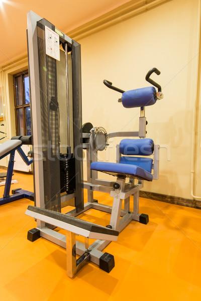 Gymnase fitness chambre intérieur vue équipement Photo stock © gabor_galovtsik